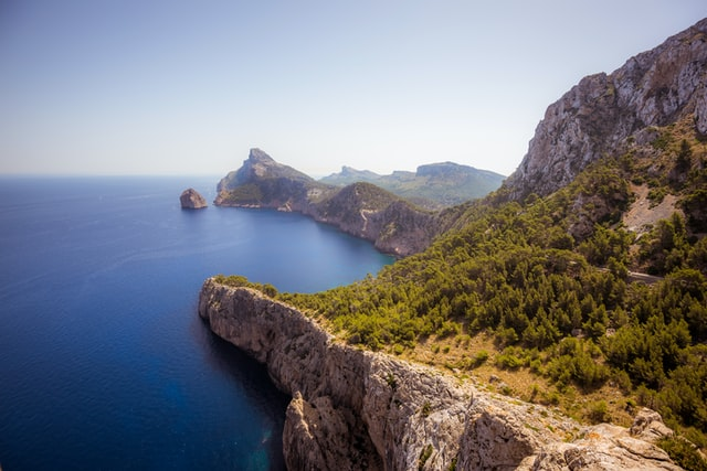 8 Fantastic Reasons to Travel to Spain