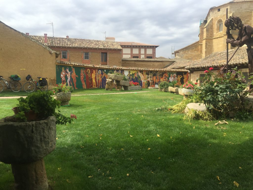 Grassy lawn in an Albergue
