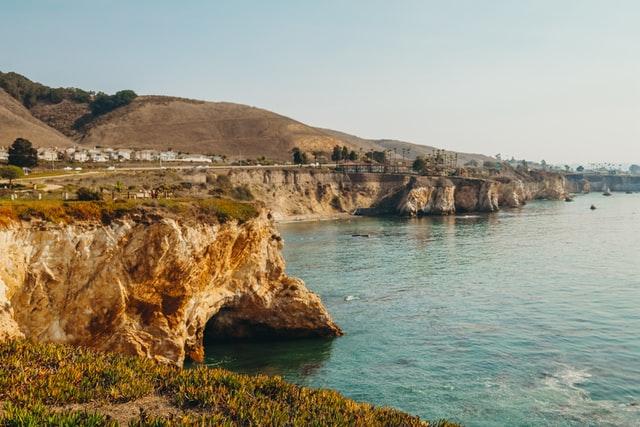 Central coast California cliffs (Must-see travel destinations)